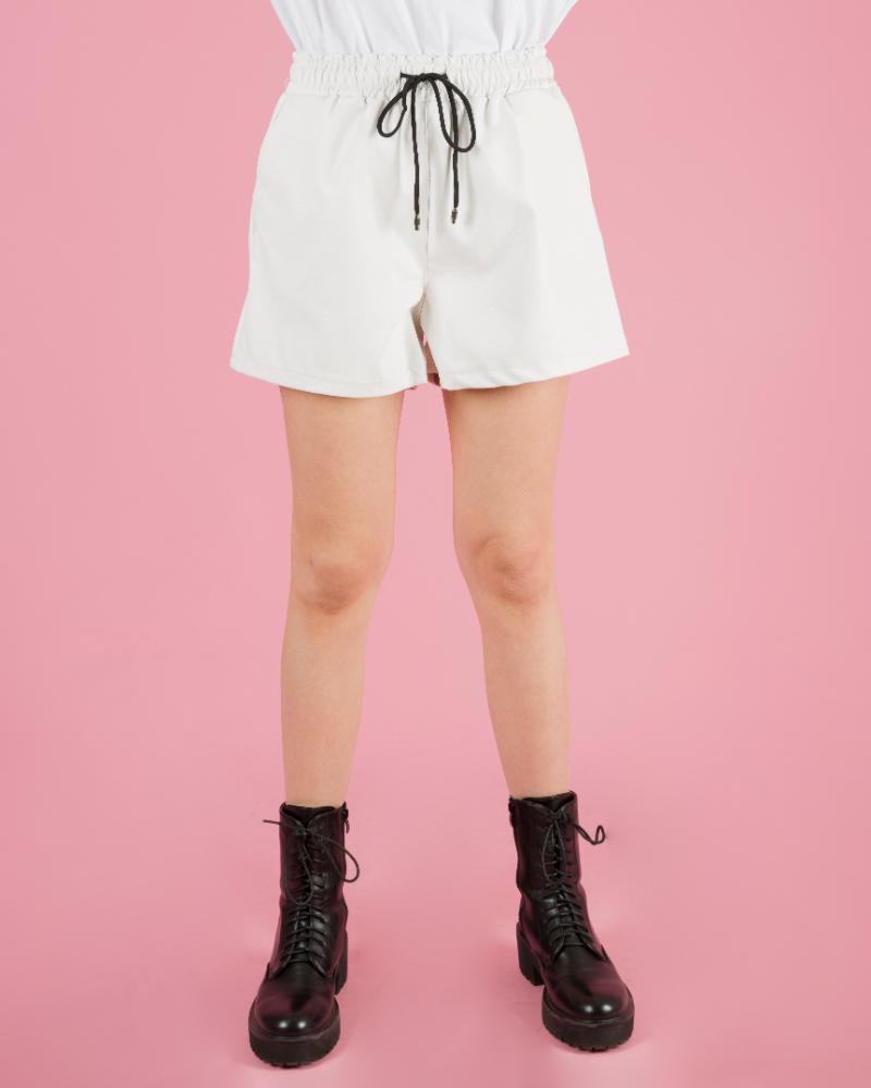 Pantaloncini con elastico in vita