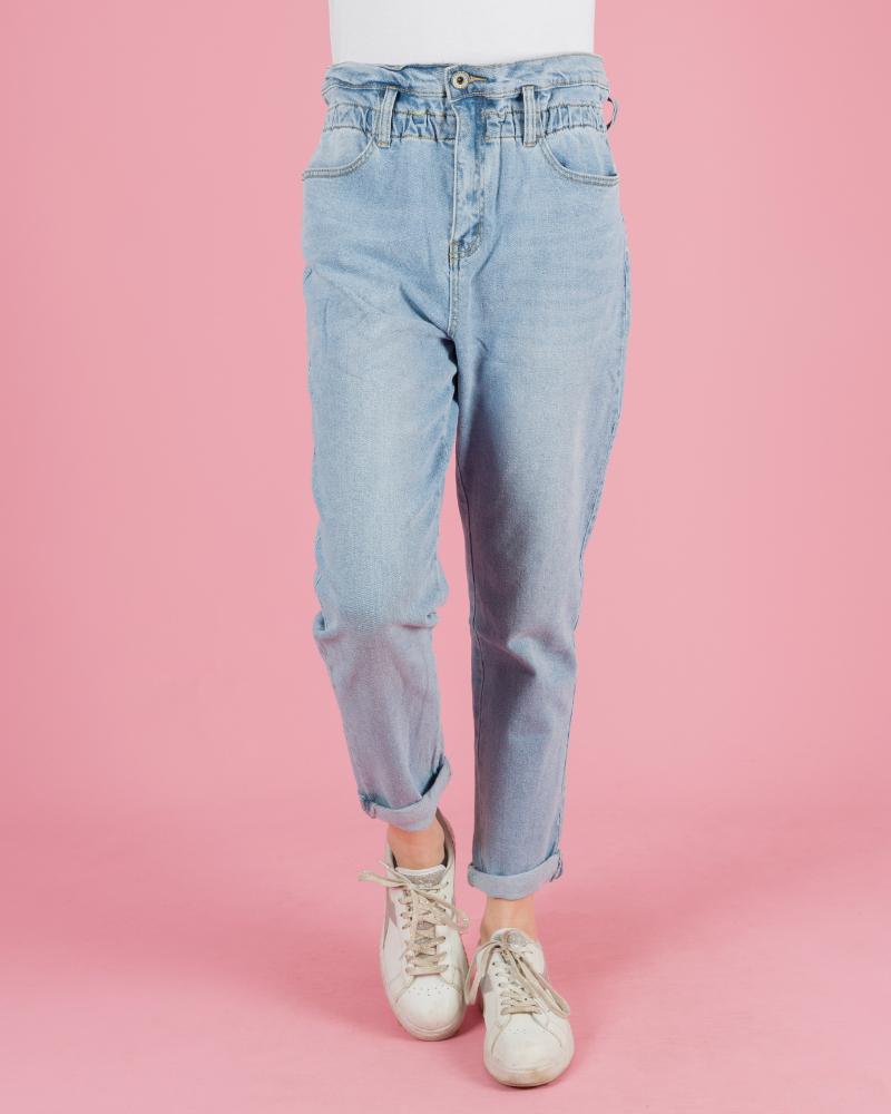 jeans chiaro a vita alta