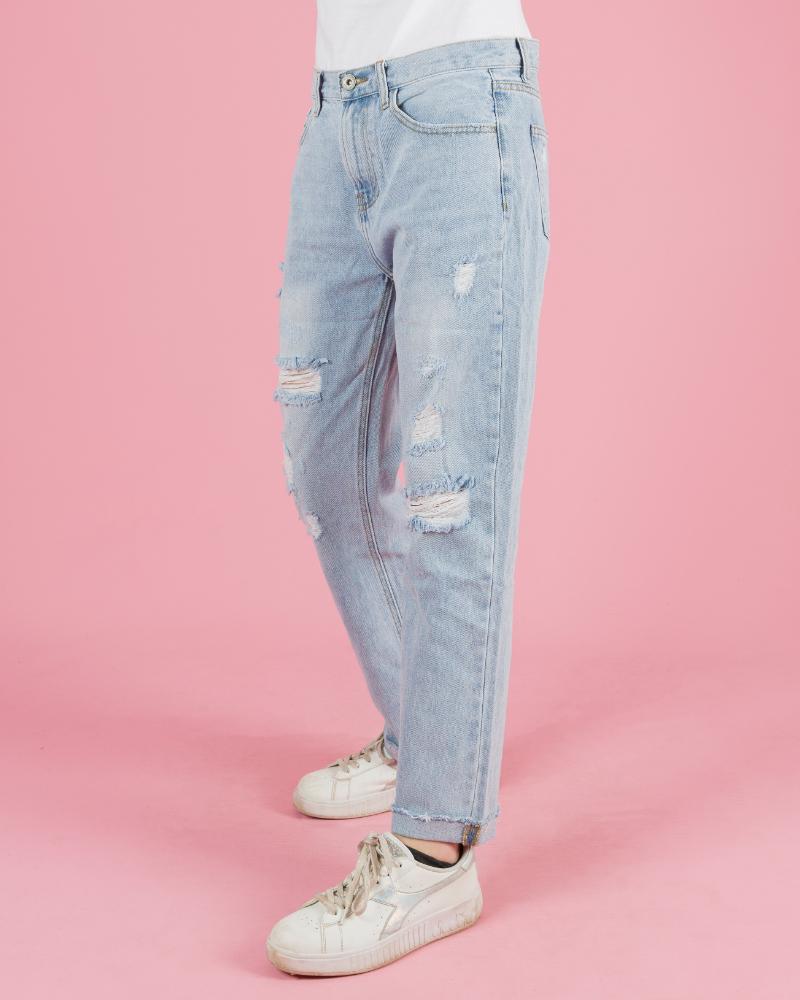 jeans chiaro strappato